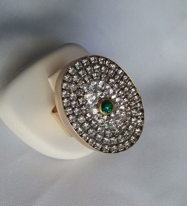 White-and-Green-Strass